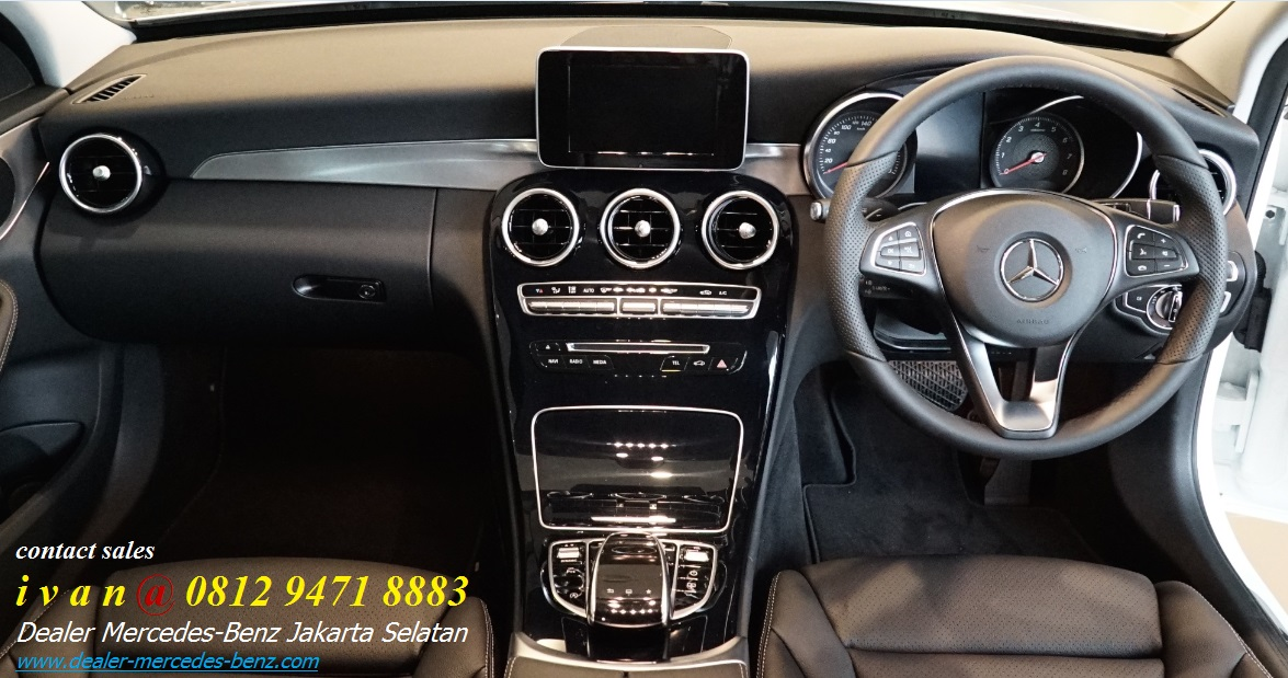 Interior Mercedes Benz C200 Amg Line 2017 Indonesia