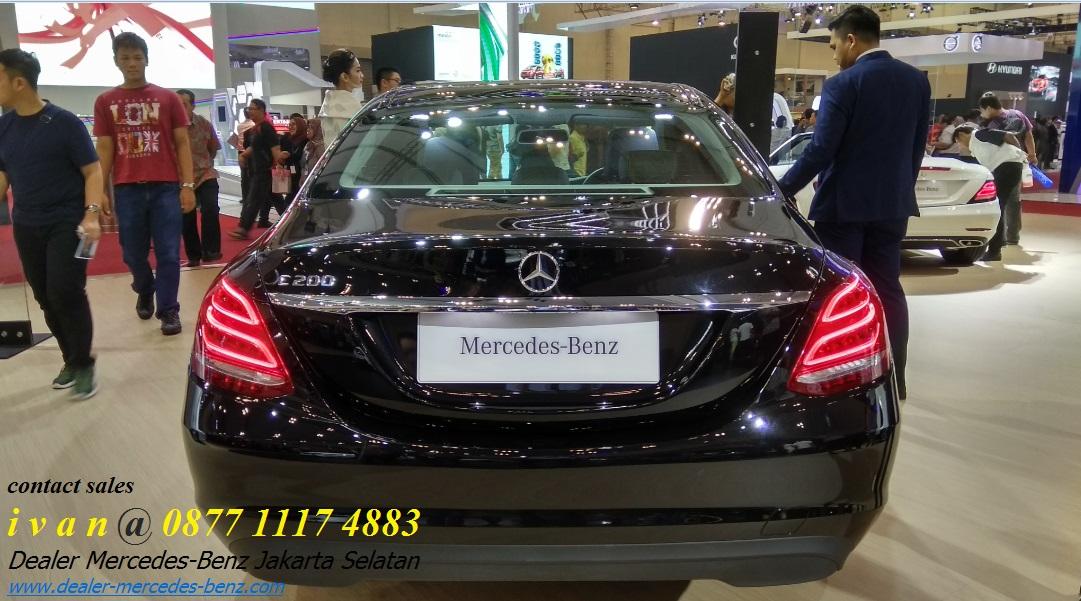Mercedes benz c200 indonesia 2017 black dealer mercedes for Dealership mercedes benz