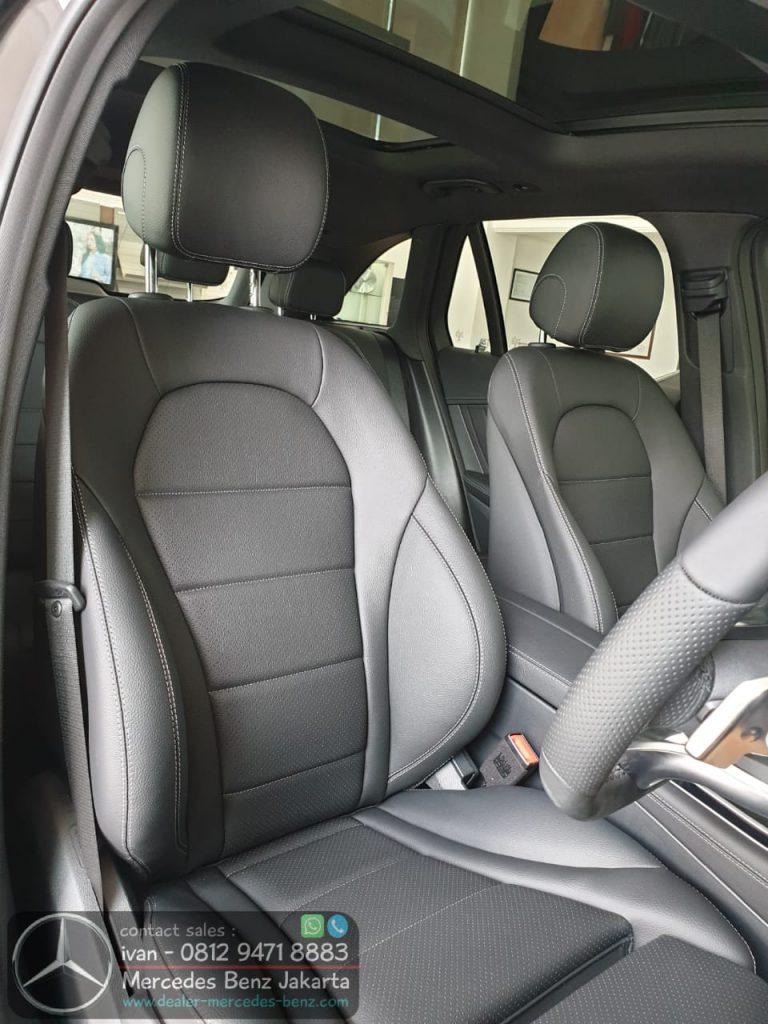 Interior Mercedes-Benz GLC 200 Amg Line Facelift 2020 Indonesia Black