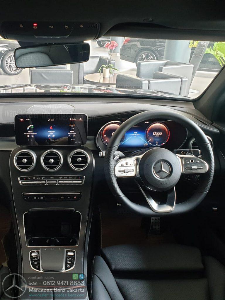 Interior Mercedes-Benz GLC 200 Amg Line Facelift 2020 Indonesia
