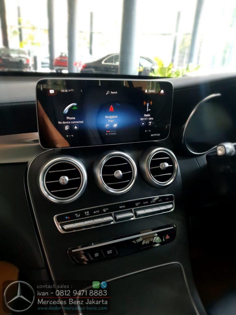 Interior Mercedes-Benz GLC 200 Amg MBUX Media Display 2020