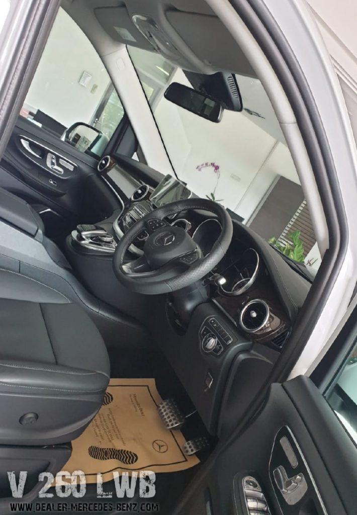 Interior Mercedes Benz V-Class V260 LWB 2020
