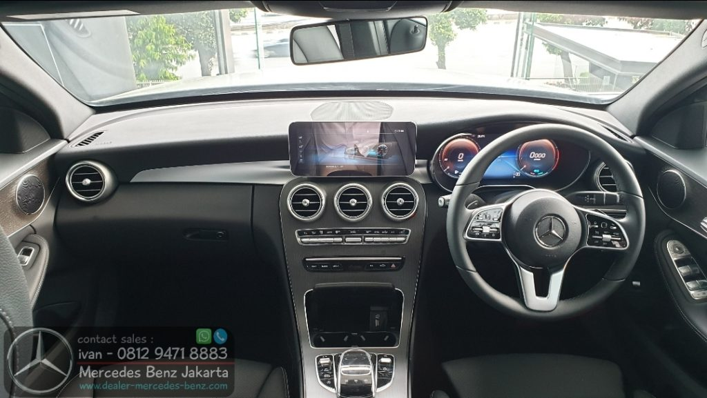Interior Mercedes Benz C200 Avantgarde 2020 Indonesia