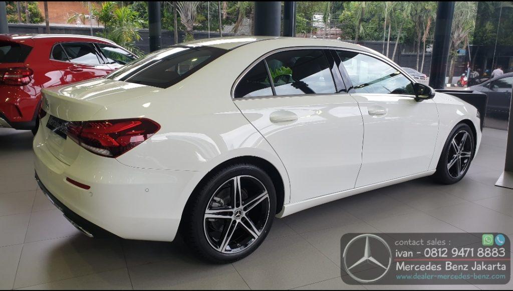 New A200 Sedan Progressive Line 2019-2020 Indonesia putih
