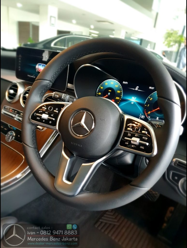 Interior Mercedes Benz C-Class C200 Exclusive 2020 Indonesia