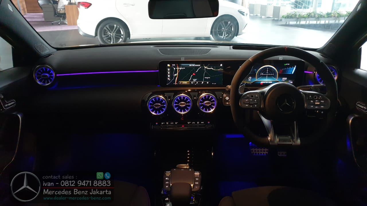 Interior Mercedes-AMG A35 4Matic 2020-2021 Indonesia Black