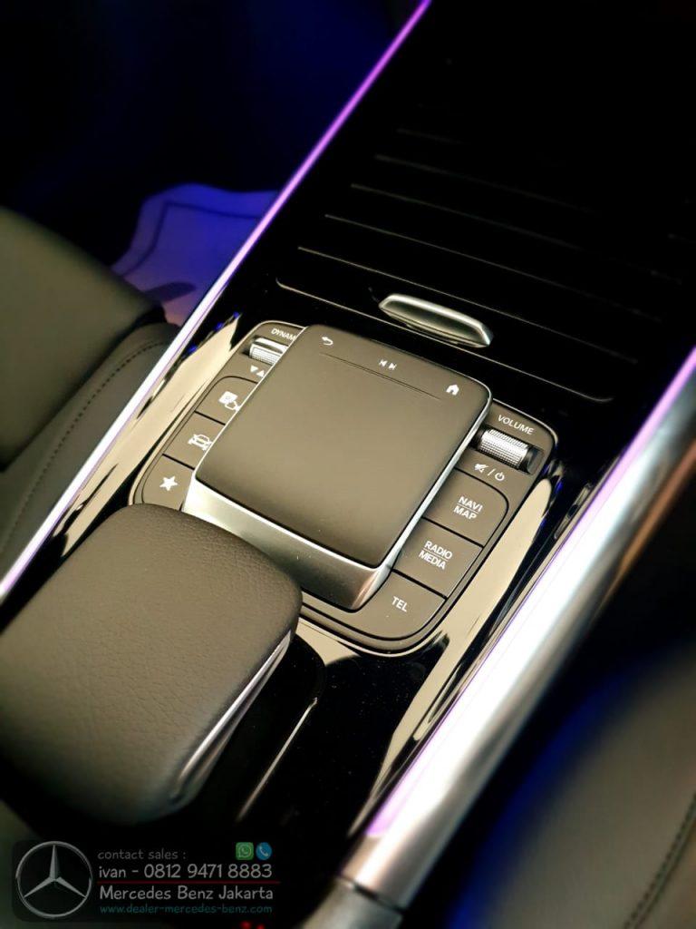 Touchpad Mercedes Benz GLA 200 2020 Indonesia Black
