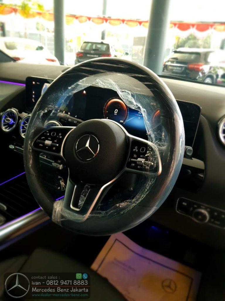 Interior Mercedes Benz GLA200 2020 Indonesia Black