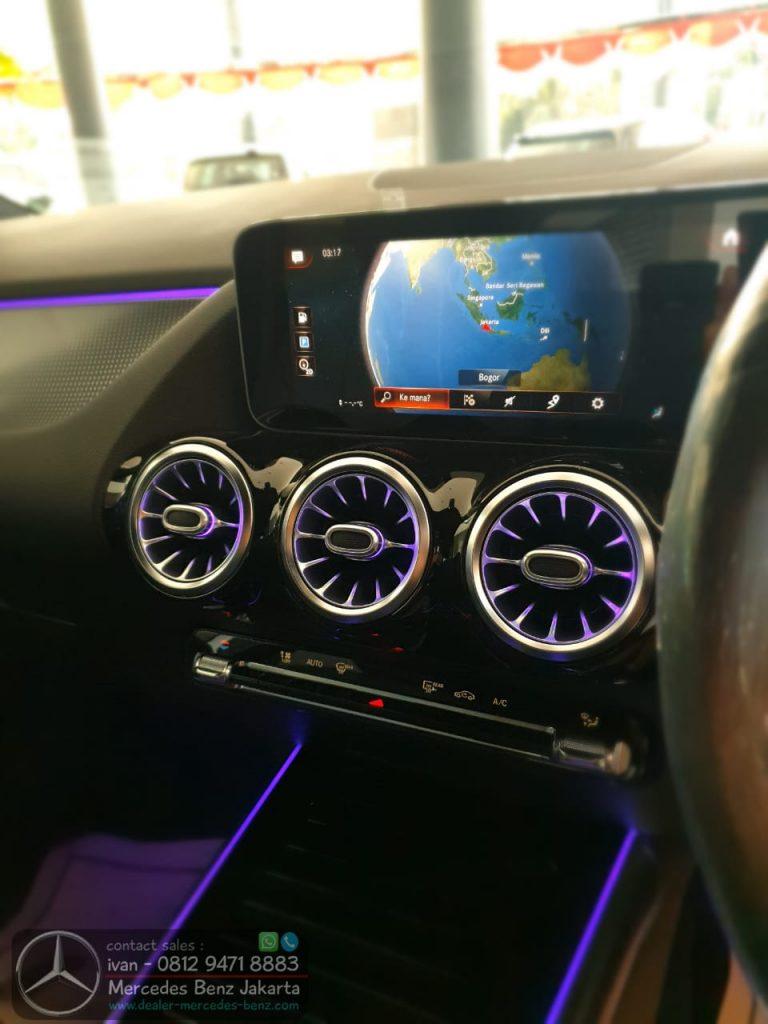Media Display Mercedes Benz GLA 200 2020 Indonesia Black