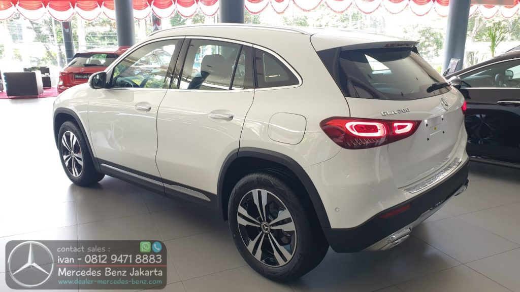 New Mercedes Benz GLA 200 2020 Indonesia White2